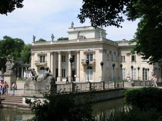 łazienki Królewskie W Warszawie Dom Kultury Zacisze